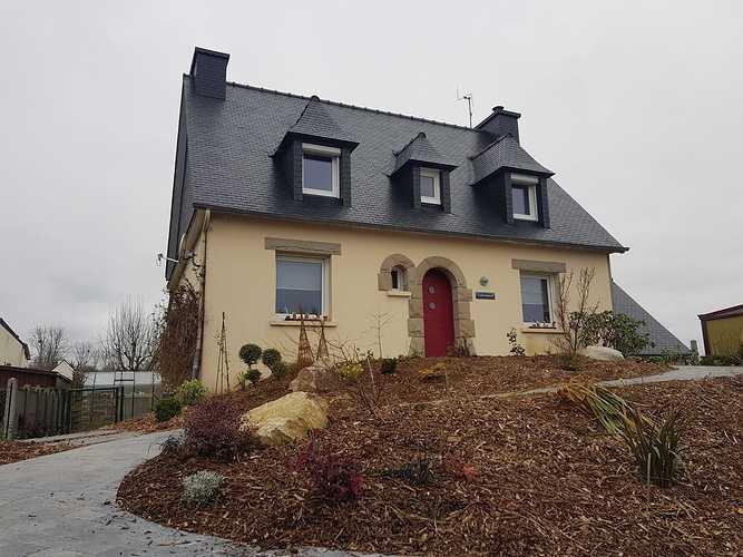 Traitement hydrofuge sur couverture en ardoises naturelles - Côtes-d''Armor (22) apres1